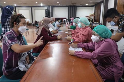 Jateng Sasar 1.000 Lansia Per Hari untuk Vaksinasi