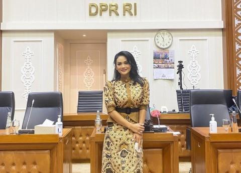 Wacana Penghina Presiden & Anggota DPR Dipenjara, Krisdayanti Mendebat Melanie Subono