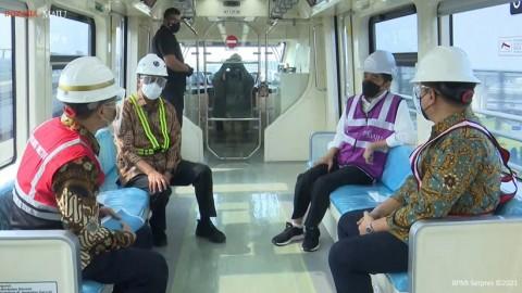 Nyaris Tak Bersuara,  Jokowi Mengaku Nyaman Naik LRT Jabodebek