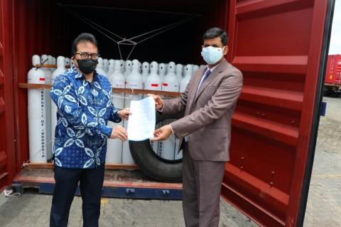 Melalui KJRI Mumbai, Indonesia Hibahkan 1.400 Oksigen Tabung ke India