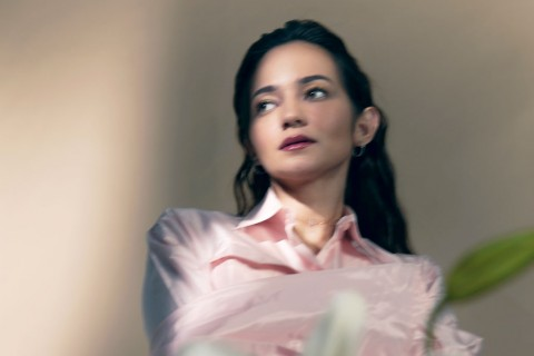 Semakin Fokus ke Dunia Musik, Enzy Storia Rilis Single
