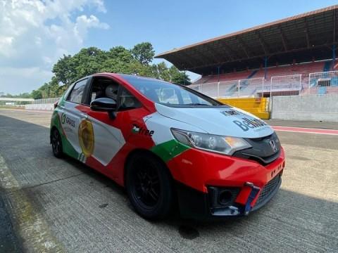 Ikuti Jejak Fitra Eri, Youtuber Ridwan Hanif Terjun di Ajang Balap Mobil Nasional