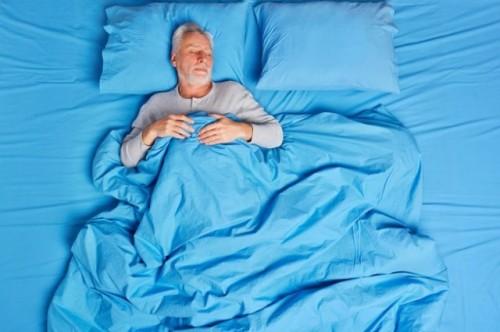 Ada beberapa cara agar lansia dengan prostat bisa tidur nyenyak. (Foto: Ilustrasi/Freepik.com)