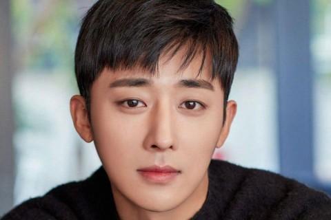 Son Ho Jun Tinggalkan YG Entertainment, Ada Apa?