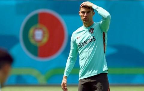 Turut Mendoakan Eriksen, Ronaldo Beri Pesan Menyentuh