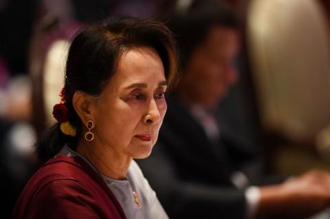 Aung San Suu Kyi Terlihat Kurang Sehat di Persidangan
