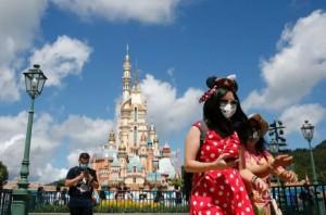 Disneyland California Longgarkan Penggunaan Masker, Netizen Bereaksi