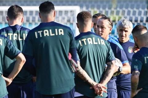 Prakiraan Susunan Pemain Italia vs Swiss
