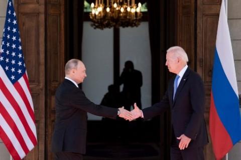 Bertemu Biden, Putin Tegaskan Tak Ada Serangan Siber ke AS