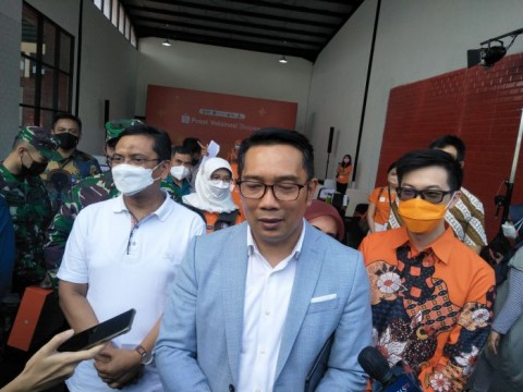 Ridwan Kamil Minta Maaf atas Kerumunan Vaksinasi Massal di Stadion GBLA
