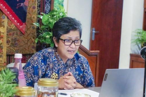 Wakil Ketua MPR RI, Lestari Moerdijat mengatakan pentingnya kepatuhan masyarakat menjalankan kebijakan pencegahan covid-19. (Foto: Dok. Instagram Lestari Moerdijat/@lestarimoerdijat)