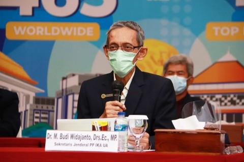 Khofifah Masuk Bursa Kandidat Ketua IKA UNAIR