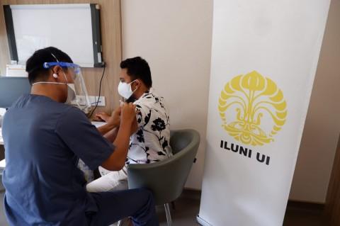 ILUNI UI Fasilitasi Vaksinasi untuk Mahasiswa Hingga Keluarga Nakes