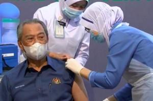 Populer Internasional: Kekebalan Kelompok di Malaysia Hingga Kapal Kimia Tenggelam