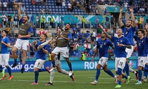Tundukkan Wales, Italia Mengulang Rekor 82 Tahun