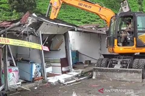 Satpol PP Bongkar PKL di Puncak Bogor karena Langgar Prokes