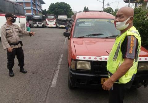 Kejang-kejang, Pria Paruh Baya Mendadak Meninggal di Angkot Bekasi