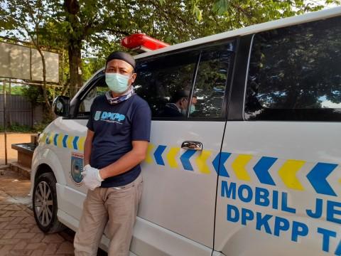 Dekat Kematian, Sopir Mobil Jenazah Lebih dari Sebuah Pekerjaan