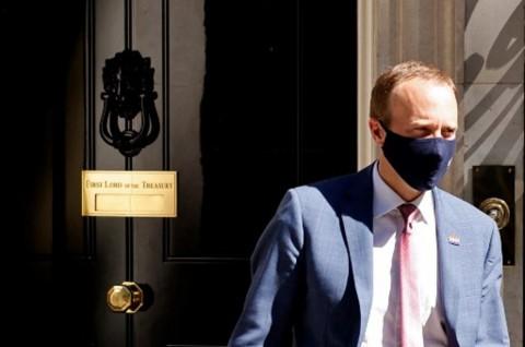 Menkes Inggris Mengundurkan Diri usai Langgar Aturan Covid-19