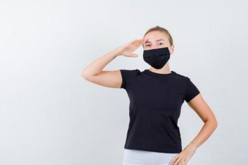 Ilustrasi masker dobel (Freepik)