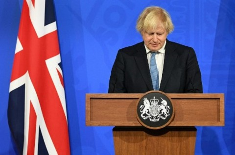 PM Johnson akan Minta Warga Inggris Belajar Hidup Bersama Covid-19