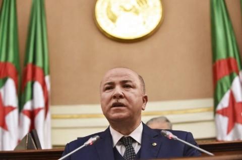Populer Internasional: PM Aljazair Positif Covid-19 Hingga Lansia Terinfeksi Dua Varian
