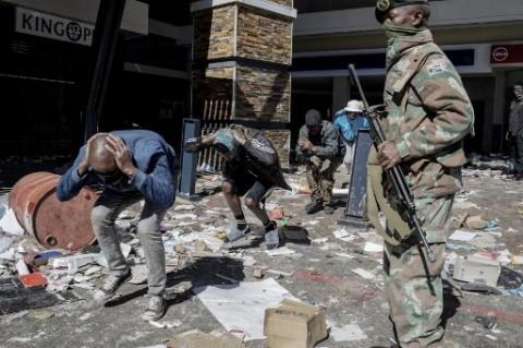WNI di Afrika Selatan Diminta Waspada di Tengah Kerusuhan