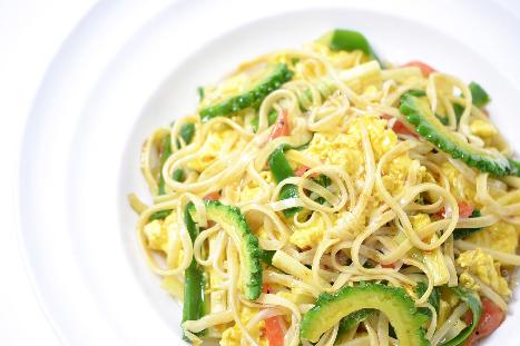 Pare diyakini dapat meningkatkan produksi ASI. Agar tidak terlalu pahit, kamu bisa mencampurkan pare dengan makanan lain. (Foto: Ilustrasi. Dok. Pixabay.com)