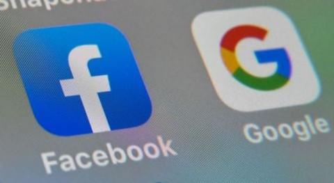 Luhut Pantau Mobilitas Masyarakat Via Facebook dan Google saat PPKM Darurat