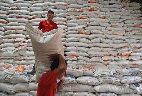 Perum Bulog Siapkan 3.000 Ton Beras untuk Bansos