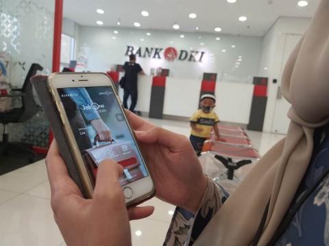 Bank DKI Imbau Penerima BST Gunakan JakOne Mobile