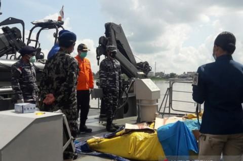 33 Korban Kapal Tenggelam di Perairan Kalbar Masih Hilang