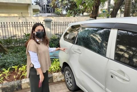 Sapi Kurban Mengamuk, Dua Mobil di Kantor Walkot Jakpus Rusak Parah
