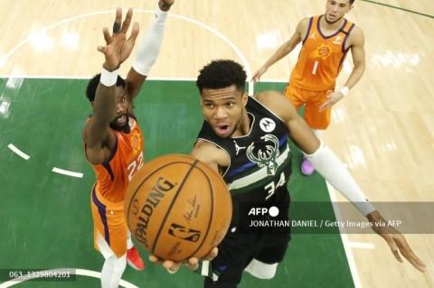 Giannis Antetokoumpo Pimpin Bucks Juara NBA