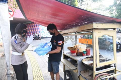 Kabar Gembira, Pedagang PKL di Surabaya Bebas Retribusi Selama Selama PPKM