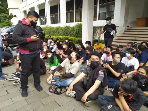 Terlibat Demo Ricuh, Ratusan Pemuda di Bandung Ditangkap