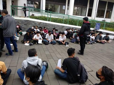 Demo Ricuh di Kota Bandung, 150 Pemuda Ditangkap