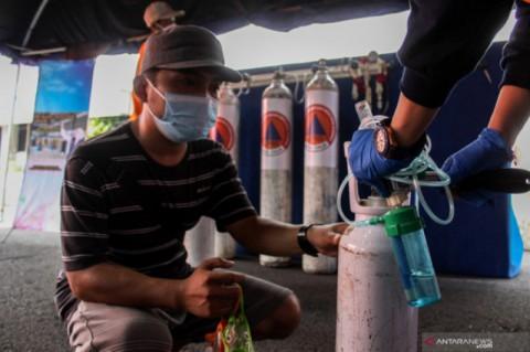 Pemkot Surabaya Isi Ulang 200 Tabung Oksigen RS Per Hari
