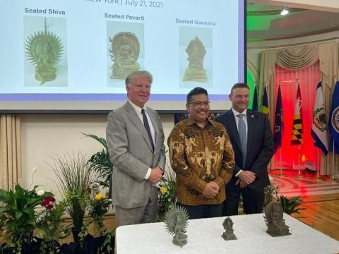 Tiga Artefak Berharga Dikembalikan ke Indonesia oleh Penyelidik New York
