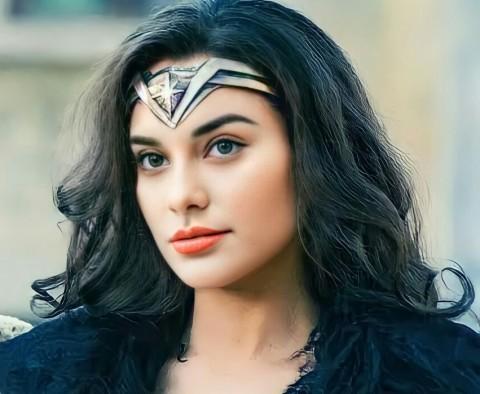 Pesona Nora Berdandan ala Wonder Woman, Netizen Makin Kesal dengan Jerinx