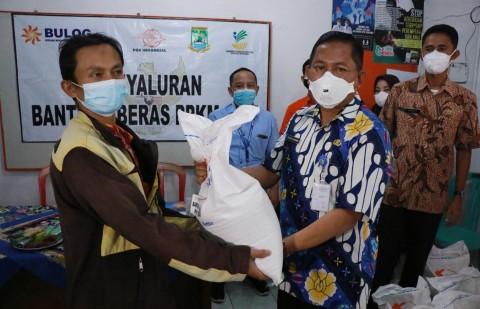 203.171 Keluarga di Kota Tangerang Terima Bantuan Beras