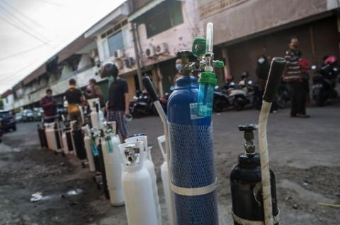 Pemerintah Sarawak, Malaysia Kirim Tabung Oksigen ke Kalimantan Barat