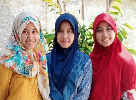 Cerita Saudara Kembar Tiga yang Berhasil Tembus UNAIR