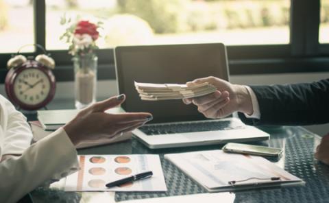 <i>Yes</i>! Penyaluran Kredit Tumbuh Positif 0,4% di Juni 2021