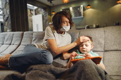 Banyak hal yang buat orang tua khawatir di masa pandemi ini. (Ilustrasi/Pexels)