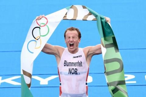 Diwarnai Insiden Saat <I>Start</I>, Atlet Norwegia Sabet Emas Triatlhon Putra Olimpiade