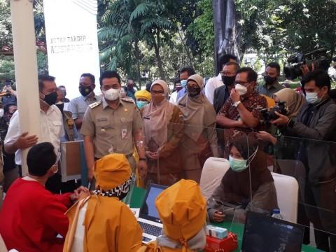 7 Juta Orang di DKI Divaksinasi, 40% Warga Non-Jakarta