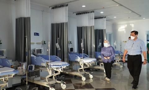 Tekan Kematian, Luhut Minta Pasien Covid-19 Dirawat di Isolasi Terpusat