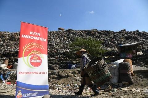 Pemulung di TPST Piyungan Terdampak PPKM Dapat Bantuan Korlantas