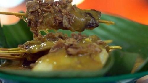Ini tiga jenis bumbu satai Padang yang berbeda namun semuanya lezat. (Foto: Dok. Endeus TV)